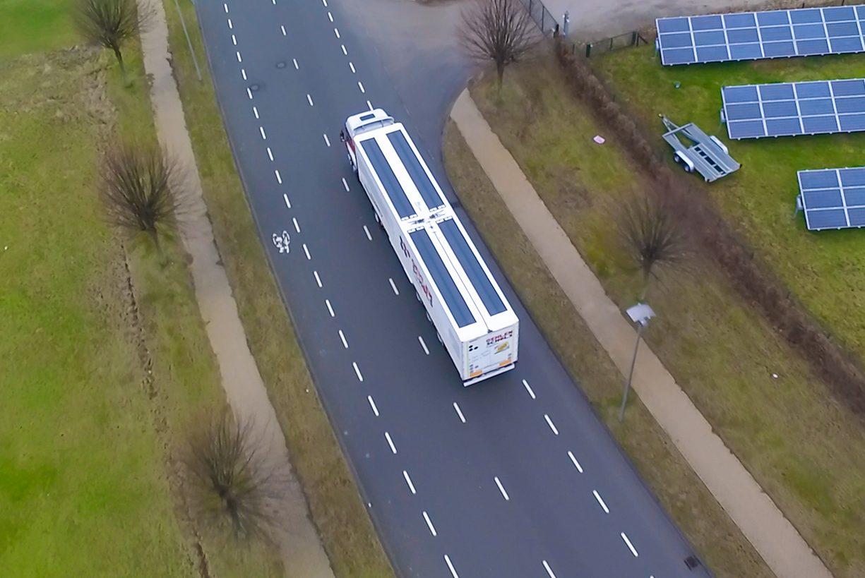 Zonnepanelen vrachtwagens